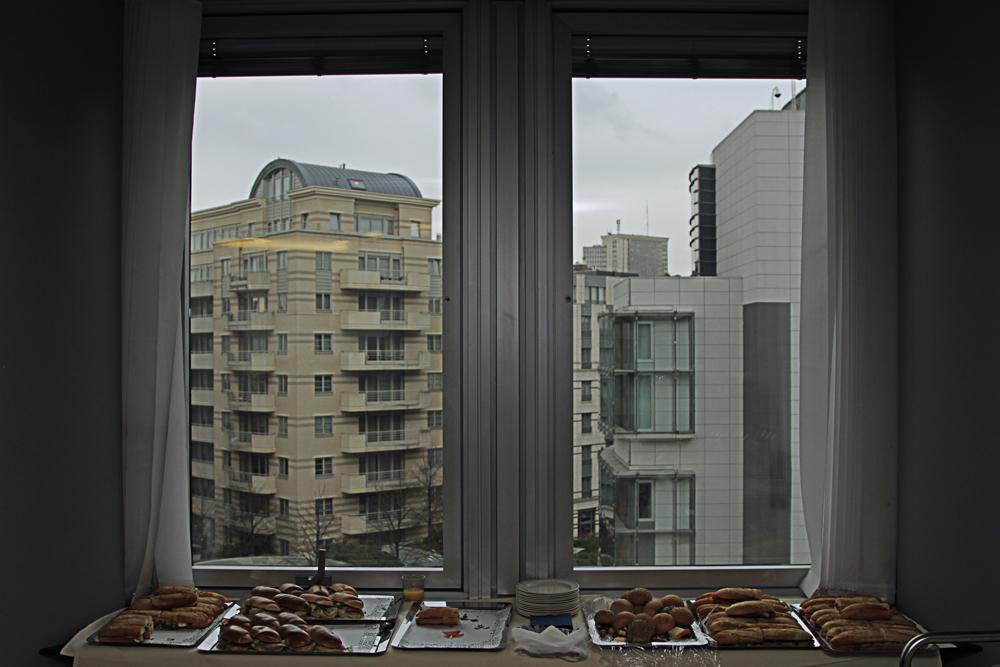 #okno #windows #manekkenpis #pozytyf #bruksela #belgia #parlament #eu #Bruxelles #Brussel #Brüssel #delirium #piwo #beer #europarlament #European Parliament  #